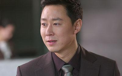 ハン・ジョンフン役-キム・ヨンピル