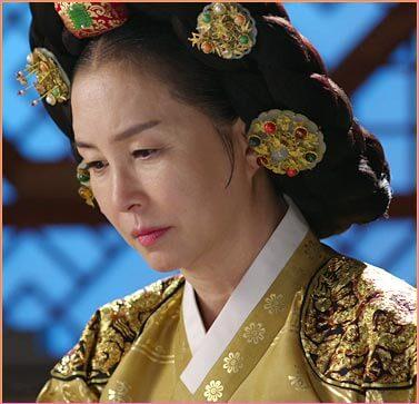 文定大妃(ムンジョンテビ)役-キム・ミスク