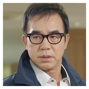 ぺク・ソング役-キム・ギュチョル