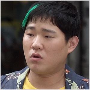 ヨンテク役-チョン・イクハン